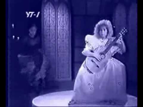 妖艶なダンスとともに G.ヴェイルが弾くサルバドールの『スパニッシュ・ダンス』