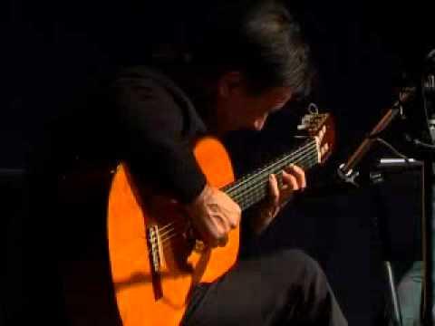 リカルド・モヤーノが弾く『Bayon num. 2』 躍動感と民族色に満ちた名演