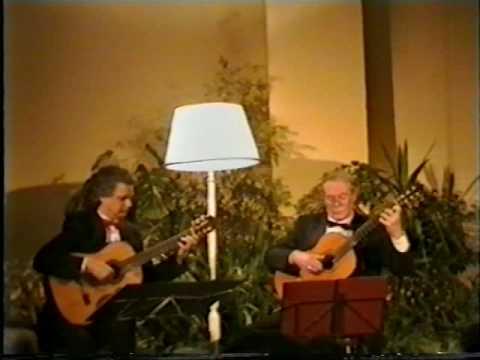 レイモンド・バーリーとジョン・ミルズが弾くプーランクの『パヴァーヌ』 会場を包み込む優美な響き