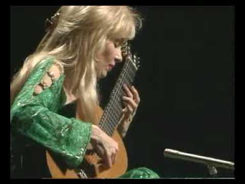 ライオナ・ボイドが弾く『アストゥリアーナ』 ドラマチックに奏でられるボイドのオリジナル作品