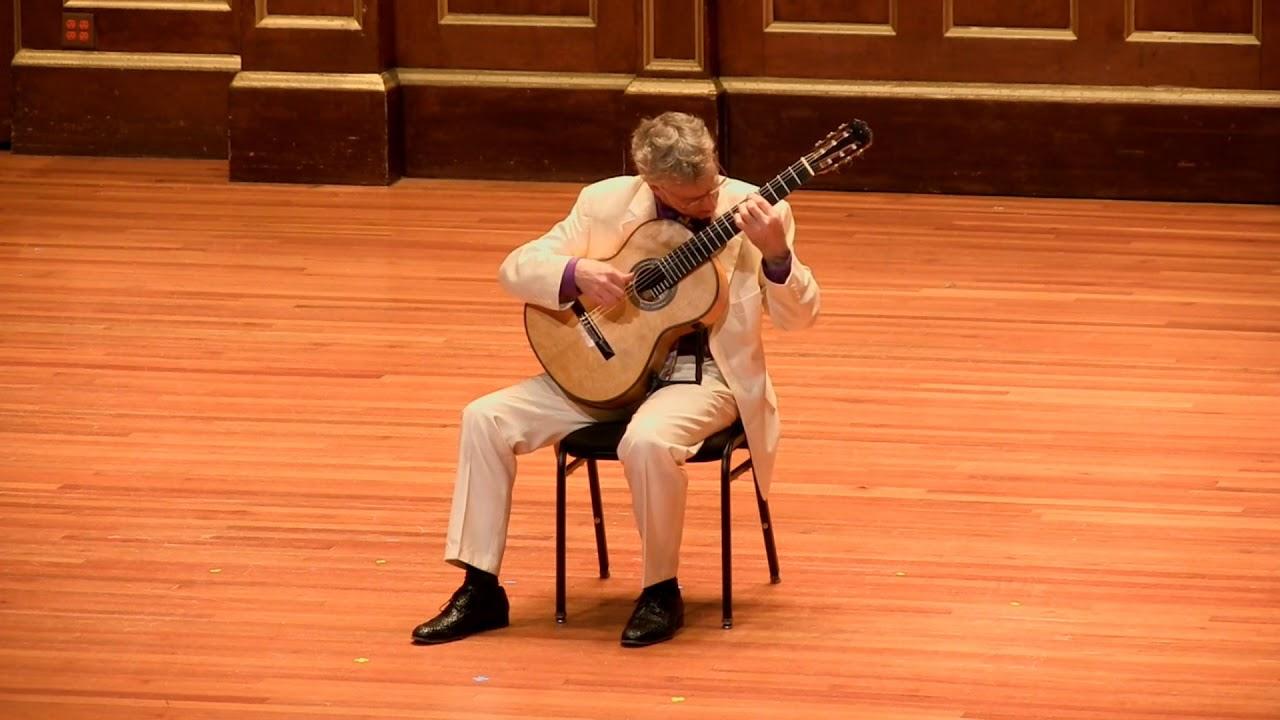 エリオット・フィスクが弾くヴィラ=ロボスの『12のエチュード』 切れ味鋭い圧巻の演奏