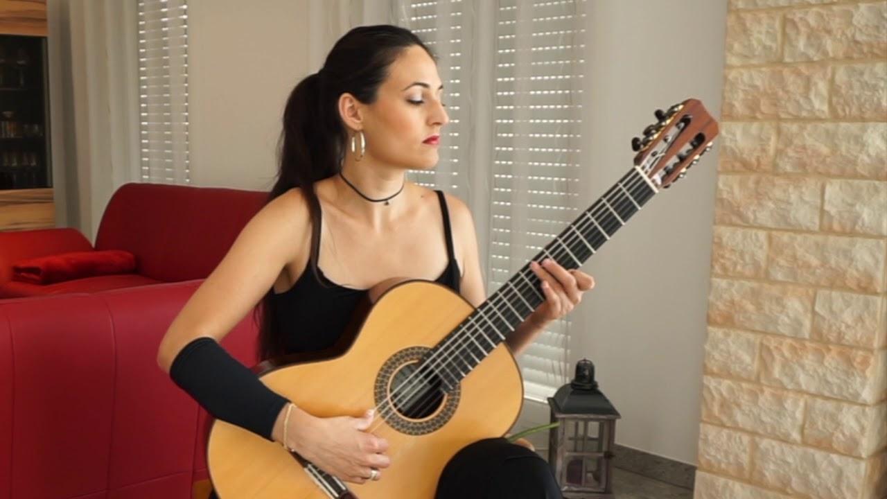 アナベル・モンテシノスのが弾くブローウェルの『Hika(悲歌)』 幻想的に描かれる音の綾