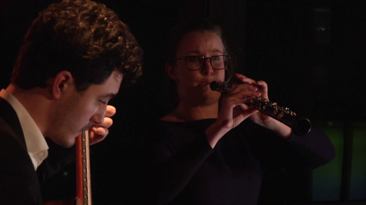 ガブリエル・ビアンコが弾くコバッツの『オーボエとギターのためのソナチネ』 ミカエラ・フラバンコワとの共演